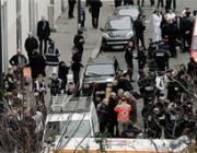 Неизвестные открыли стрельбу в офисе журнала в Париже, погибли 10 человек