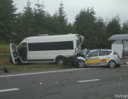 На трассе Р28 под Минском серьёзная авария с участием маршрутки и такси: есть погибший