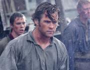 """Крис Хемсворт в новом захватывающем трейлере фильма """"В сердце моря"""""""