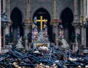 Нотр-Дам-де-Пари после пожара. Видео, снятое с дрона и внутри собора