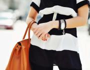 То, как вы носите сумочку, может многое о вас рассказать