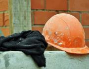 Сильно пьяный пинский строитель пришёл на работу и получил травму