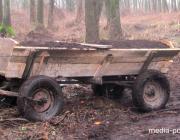 Житель Ольшан хотел вывезти почву из леса, но его задержали