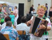 Танцы, песни и уха. Лахва громко отпраздновала 525-й юбилей