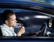 В Беларуси введут штраф за курение в машинах, где находятся дети до 14 лет