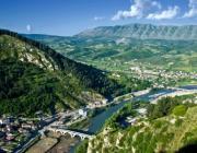 Албания временно отменила визы для белорусов