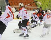 В игре с «Бобруйском» шайбы забивали всей командой