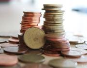 В Беларуси с 1 января уравняют минимальную зарплату и потребительский бюджет