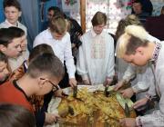 В деревне Лука на Столинщине снова делают братскую свечу