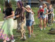 Как на детской площадке, созданной сельчанами, проходят праздники