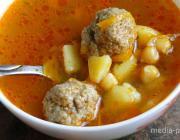 КАК подать томатный суп с мясными фрикадельками и нутом