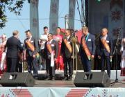 Передовиков-хлеборобов наградили на давид-городокской сцене