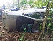 В Житковичском районе Renault вылетел в кювет и опрокинулся: погибла 10-летняя дочь водителя