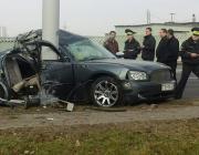 В Минске Dodge с полным салоном молодежи врезался в столб: погибли школьница и студентка