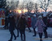 Главная ёлка Столина засверкала новогодними огнями (видео)
