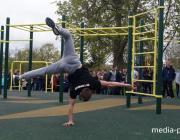Уличные гимнасты показали высший пилотаж в Пинске (добавилось видео)