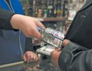 Из лунинецкого магазина похититель напролом через кассиров вынес три бутылки спиртного