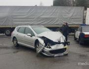 Авария на М-10: не разъехались «Пежо» и фура