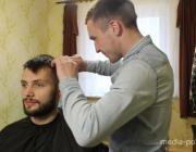 Осмотрщик вагонов мечтает работать барбером в собственном парикмахерском салоне