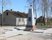 В Радчицке реконструировали памятник погибшим землякам