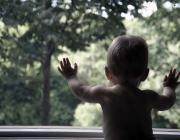 Стали известны обстоятельства падения ребёнка из окна детсада