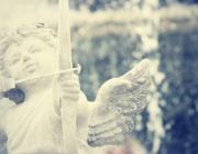 Любовный гороскоп на ноябрь: кого ждет счастье, а кого – слезы