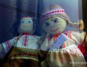 В Пинске продают льняные кеды