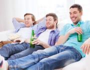 Как объяснить мужу, что семья важнее друзей?