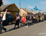 В Рубле простились с убитой в Озаричах женой священника