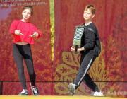 Как выглядят народные танцы в современном «прикиде»