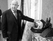 Умер космонавт Алексей Леонов. Он был первым человеком, который вышел в открытый космос