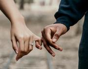 Любовь на публике: как знаки Зодиака проявляют свои чувства?