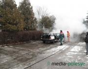 В Лунинце сгорел автомобиль продавца автозапчастей
