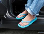 Ford назвал самую опасную обувь для вождения автомобилем