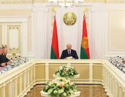 Лукашенко «Матерям 328»: им надо вовремя заниматься детьми