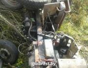 Трактор-самоделка съехал в кювет в Столинском районе. Пострадала пассажирка
