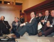 Избитая демократия. 20 лет назад голодавших оппозиционеров силой вывезли из парламента