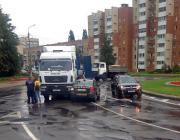 В Пинске большегруз столкнулся с учебным автомобилем