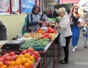 В Пинске, что на рынке, что рядом с ним цены на продукты одинаковые