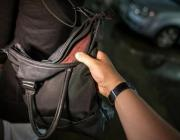В Пинске заезжий юноша напал на местную жительницу