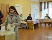 Музыка и щедрые буфеты: как проходят выборы депутата в Лунинце