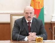 Лукашенко призвал местные власти взяться за экономику регионов