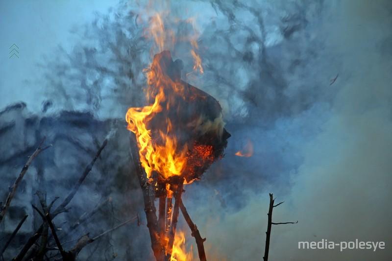 Так горела Зима в Пинске