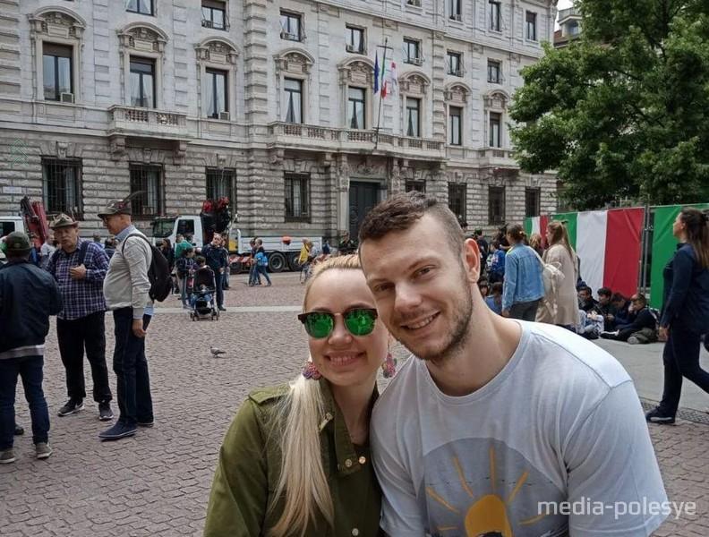 Игорь Мойсак с женой. Дарья - фармацевт, она также работала по распределению в Лунинецкой ЦРБ