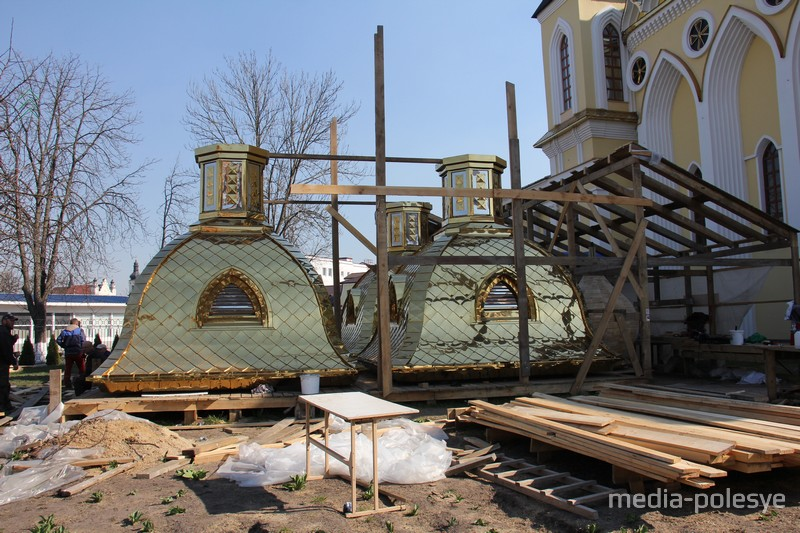 Четыре малых купола будут менять на новые