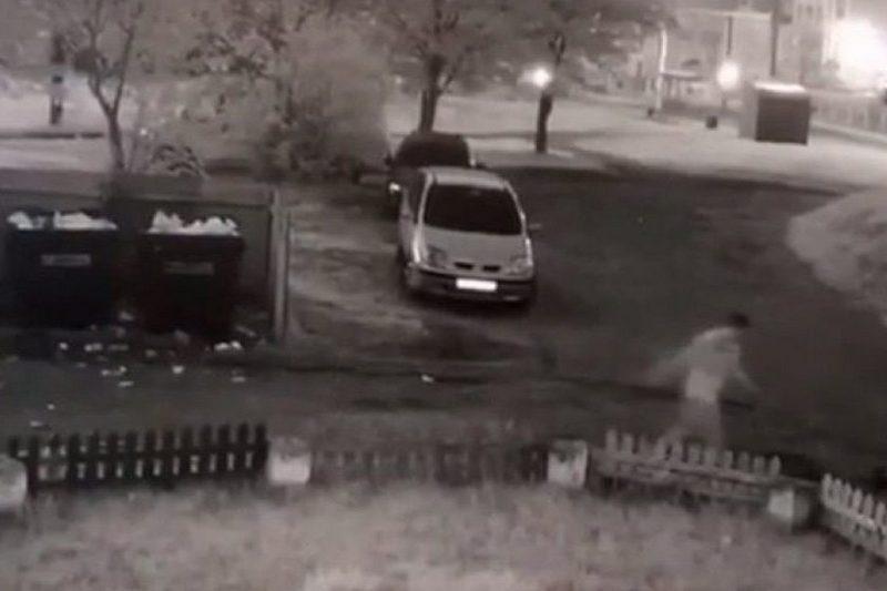Подозреваемый попал на камеру видеонаблюдения. Скриншот