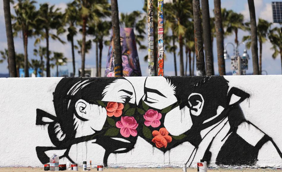 Венис Бич, Лос-Анджелес, художница Pony Wave. Фото: Getty Images