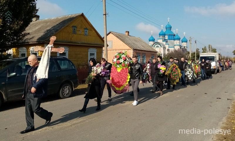 Похороны матушки на её родине, в д.Рубель Столинского района. Фото из архива МП