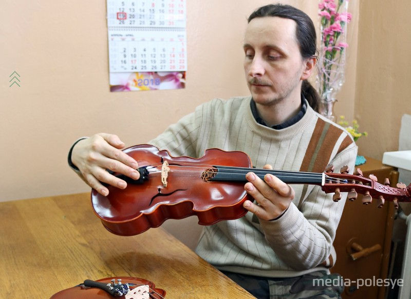 Андрей и изготовленные им виолы