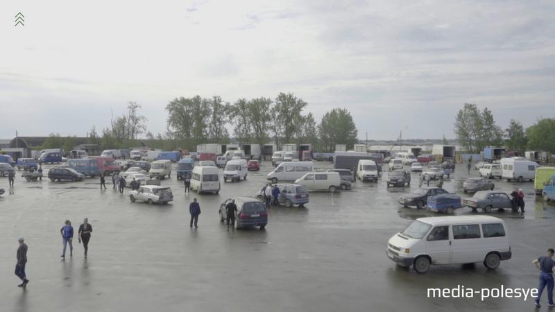 Оптовый рынок в Ольшанах